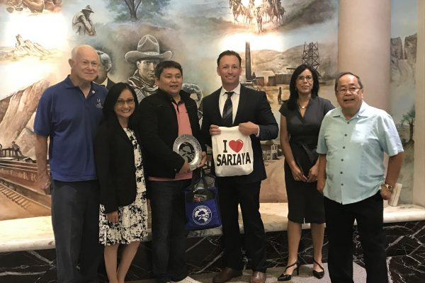 Sariaya Mayor Marcelo Gayeta, City Manager Ken Striplin, Sister Cities Board Members