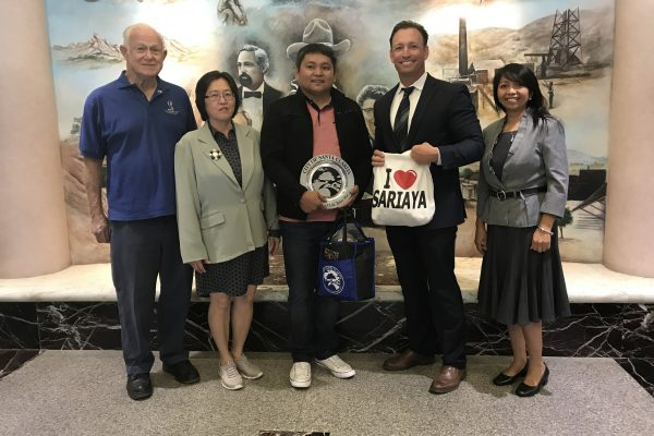 City Manager Ken Striplin w/ Sariaya Mayor Marcelo Gayeta and representatives from Sister Cities, Fil-Am Assn., and Sariaya Assn. of CA